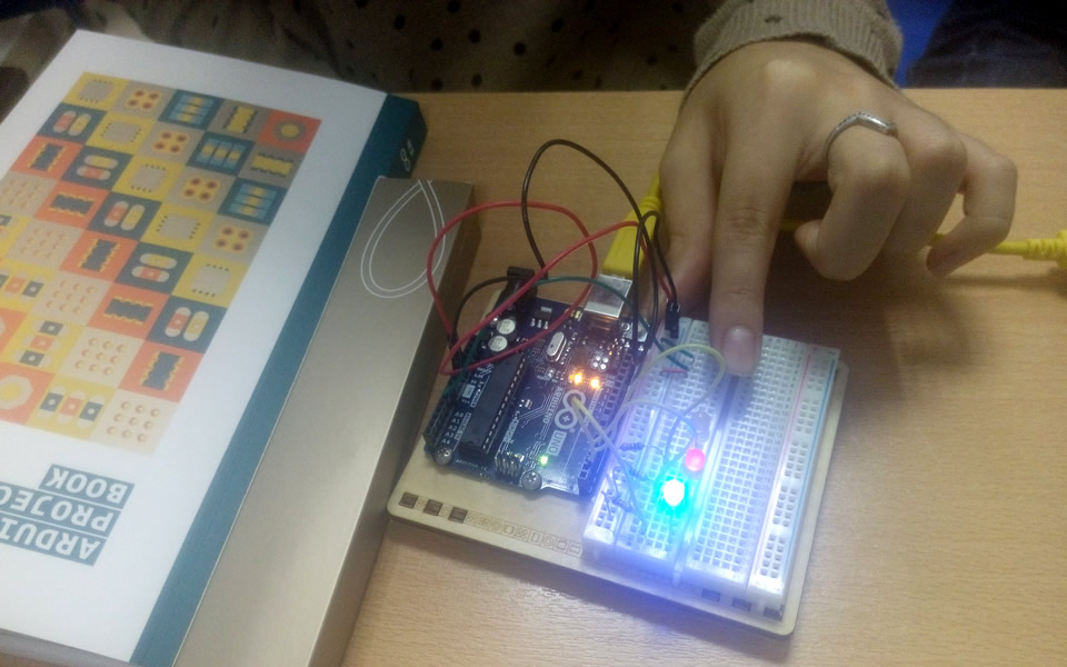 CITY College Computer Science students experiment with Arduinos