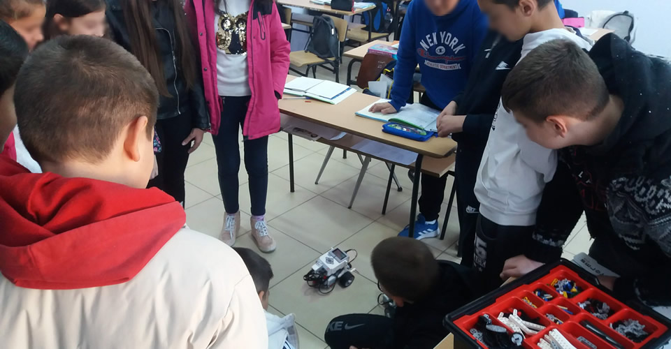 The International Faculty CITY College computer science student, Ms Zoi Gkatsi organised a Robotics Workshop at school in Korce, Albania